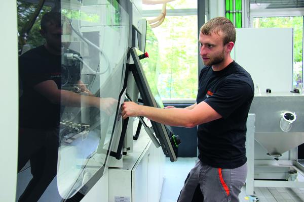 Verfahrensmechaniker für Kunststoff- und Kautschuktechnik bei Weber