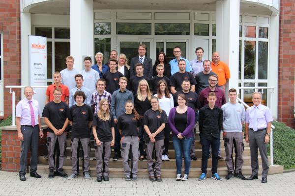 21 neue Azubis haben am 17.08.2015 ihre Ausbildung bei Weber angefangen
