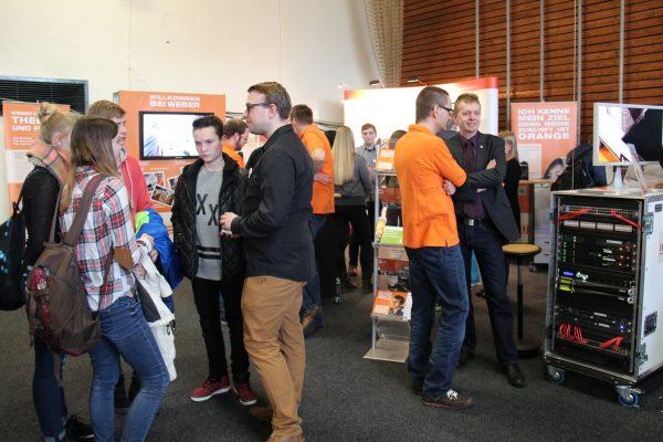 Die Weber-Gruppe auf der Ausbildungs- und Studienmesse in Sechshelden